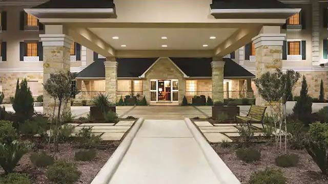 Exterior view of the Country Inn and Suites Suites in San Marcos