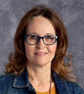 Headshot of Shelley Henry