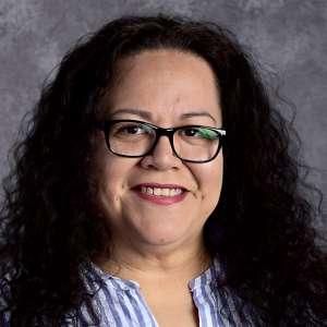 Headshot of Stephanie Ramirez